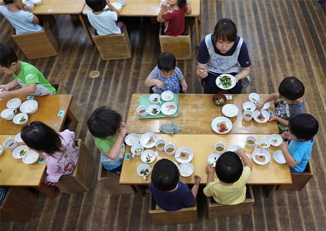Ấn tượng những bài học giáo dục từ các thầy hiệu trưởng mầm non Nhật Bản - Ảnh 2.