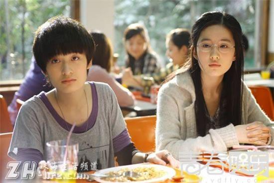 Song Seung Hun - Lưu Diệc Phi: Là tình yêu thật sự hay chiêu trò truyền thông đánh lừa khán giả suốt 2 năm qua? - Ảnh 4.