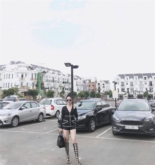 Bạn gái 'người hùng' sân cỏ U23 Việt Nam - người mê diện đồ đôi, người dùng toàn hàng hiệu đắt giá-8