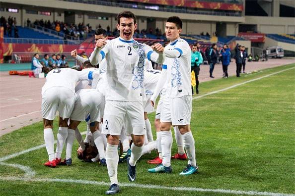 HLV Steve Darby: Trai tim chon U23 Viet Nam, ly tri goi Uzbekistan hinh anh 3