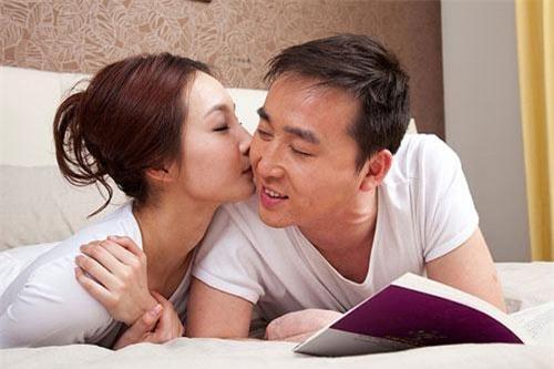 """chong hua """"neu u23 viet nam thang, anh se thuong cho em xe hoi 2 ti"""" - 3"""