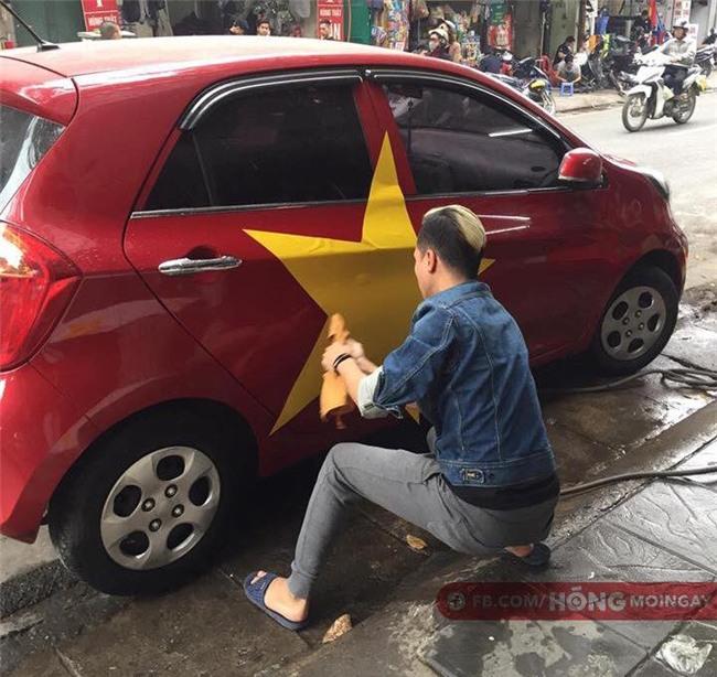 Một không khí rất khác trước ngày diễn ra trận chung kết U23 Châu Á: Màu cờ sắc áo đã tràn ngập khắp phố phường! - Ảnh 6.