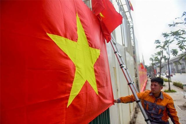 Một không khí rất khác trước ngày diễn ra trận chung kết U23 Châu Á: Màu cờ sắc áo đã tràn ngập khắp phố phường! - Ảnh 16.