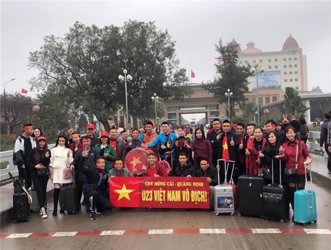 Một không khí rất khác trước ngày diễn ra trận chung kết U23 Châu Á: Màu cờ sắc áo đã tràn ngập khắp phố phường! - Ảnh 26.