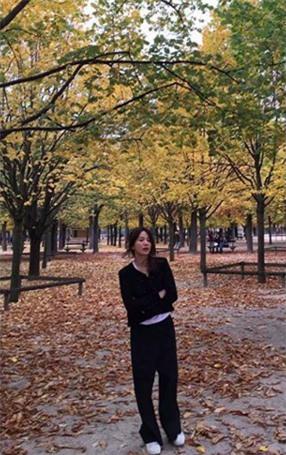 """Nghịch lý Song Hye Kyo: Ăn vận kiểu cách thì """"sến"""" nhưng luộm thuộm chút lại chất đừng hỏi - Ảnh 14."""