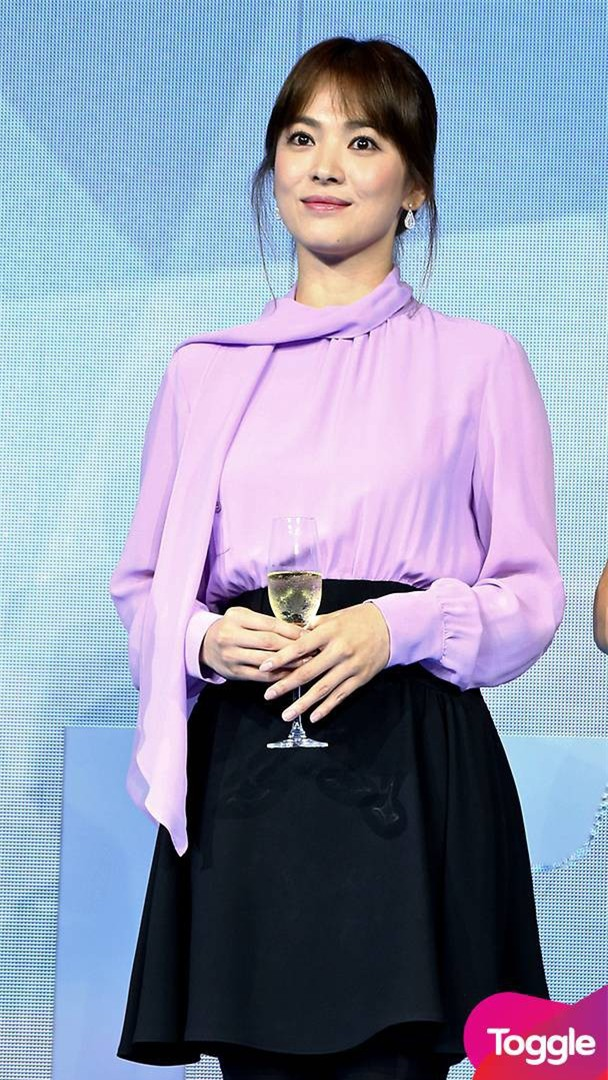 """Nghịch lý Song Hye Kyo: Ăn vận kiểu cách thì """"sến"""" nhưng luộm thuộm chút lại chất đừng hỏi - Ảnh 6."""