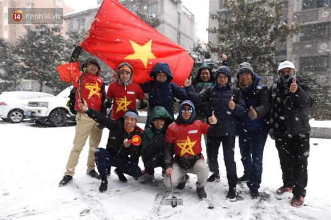 Tuyết rơi quá dày, 14h sẽ thông báo chính thức có hoãn chung kết U23 Việt Nam - U23 Uzbekistan hay không - Ảnh 2.