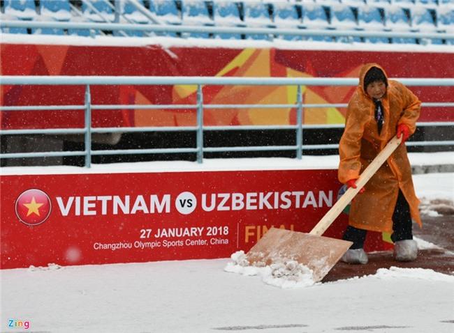 Tuyet phu kin san van dong dien ra tran chung ket U23 chau A hinh anh 12