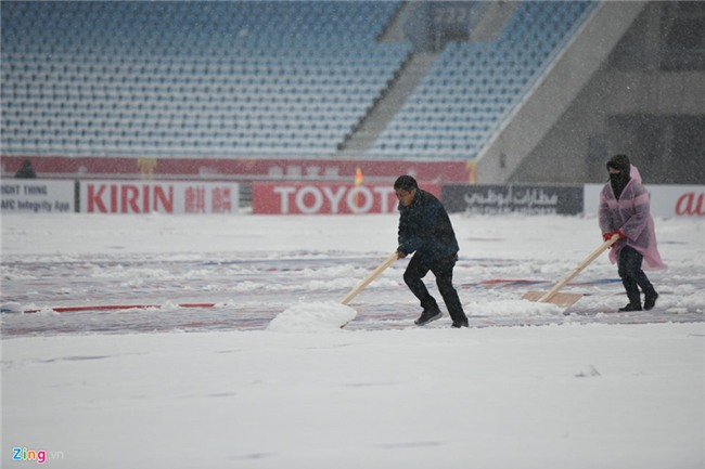Tuyet phu kin san van dong dien ra tran chung ket U23 chau A hinh anh 13