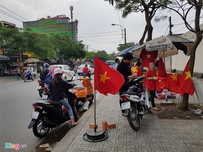 Fanzone nong bong cho don tran cau lich su cua U23 Viet Nam hinh anh 2