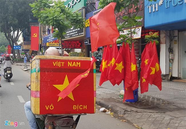 Fanzone nong bong cho don tran cau lich su cua U23 Viet Nam hinh anh 3