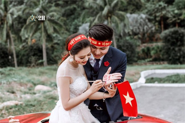 """Không khí sục sôi trước trận chung kết U23: cô dâu chú rể cũng ăn theo """"trend"""" ảnh cưới bóng đá - Ảnh 5."""