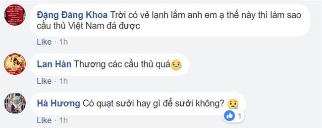 Người hâm mộ Việt Nam lo lắng, xót xa khi cầu thủ U23 phải ra sân khi tuyết vẫn rơi dày - Ảnh 12.