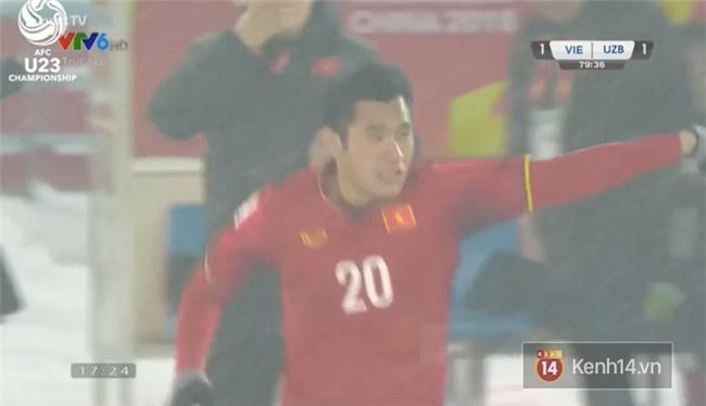 U23 Việt Nam đang có 3 cầu thủ mang tên Bui Tien Dung trên sân khiến fan quốc tế cực kì bối rối! - Ảnh 2.