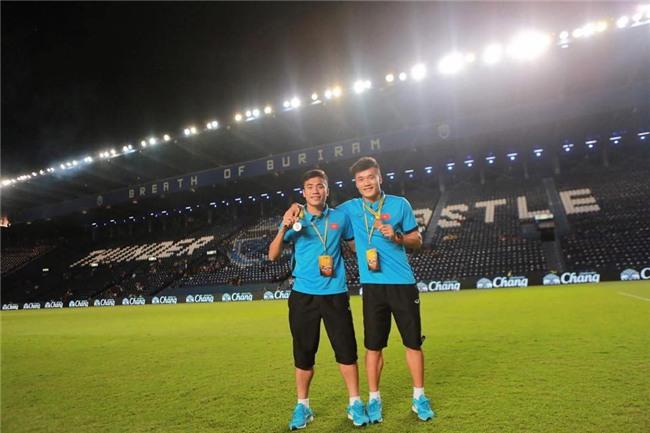 U23 Việt Nam đang có 3 cầu thủ mang tên Bui Tien Dung trên sân khiến fan quốc tế cực kì bối rối! - Ảnh 3.