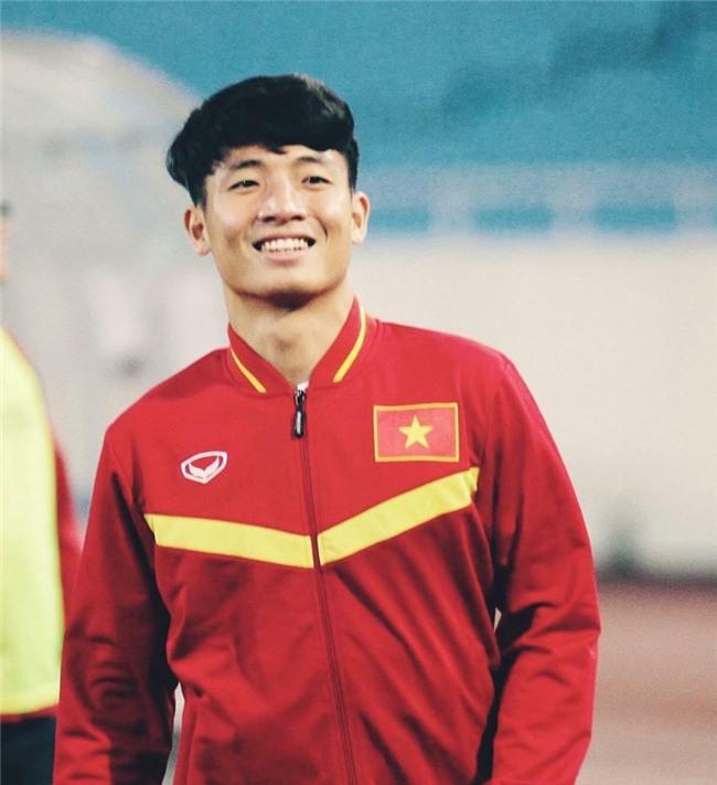 U23 Việt Nam đang có 3 cầu thủ mang tên Bui Tien Dung trên sân khiến fan quốc tế cực kì bối rối! - Ảnh 4.