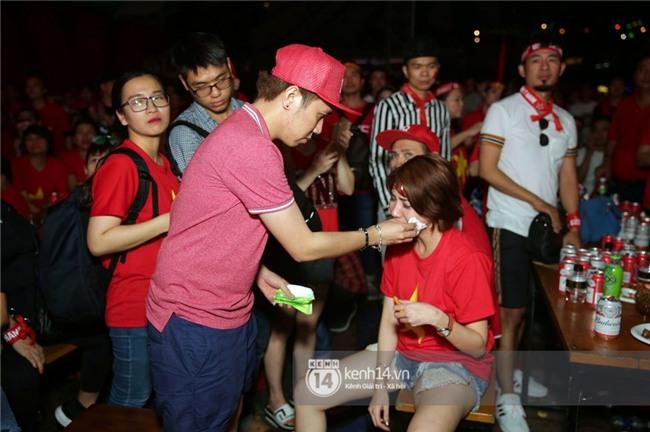 Sao Việt đã khóc như mưa sau màn thua vào phút chót của đội tuyển U23 Việt Nam - Ảnh 8.
