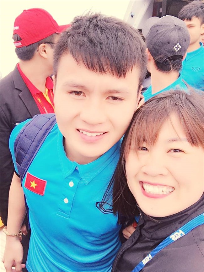 Cong Phuong, Duy Manh cung U23 Viet Nam lien tuc check-in Facebook hinh anh 10