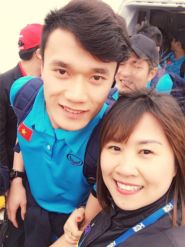 Cong Phuong, Duy Manh cung U23 Viet Nam lien tuc check-in Facebook hinh anh 9
