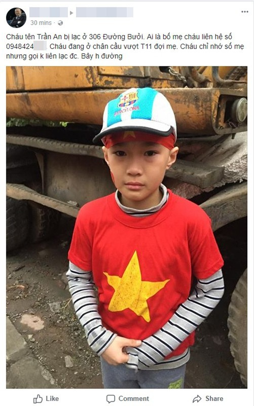 Cộng đồng mạng chung tay giúp đỡ bé trai bị lạc khi cùng bố mẹ đi đón đội tuyển U23 Việt Nam - Ảnh 1.