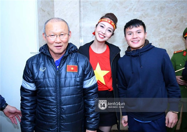 Một ngày dài nhưng nhiều cảm xúc của ông chú Park Hang Seo tại Hà Nội: Những khoảnh khắc không thể quên - Ảnh 15.