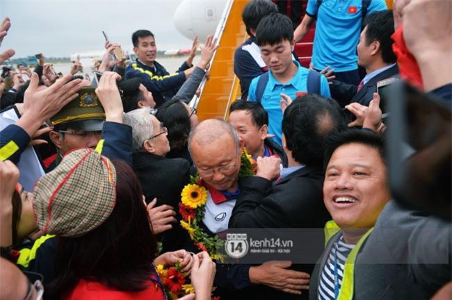 Một ngày dài nhưng nhiều cảm xúc của ông chú Park Hang Seo tại Hà Nội: Những khoảnh khắc không thể quên - Ảnh 5.