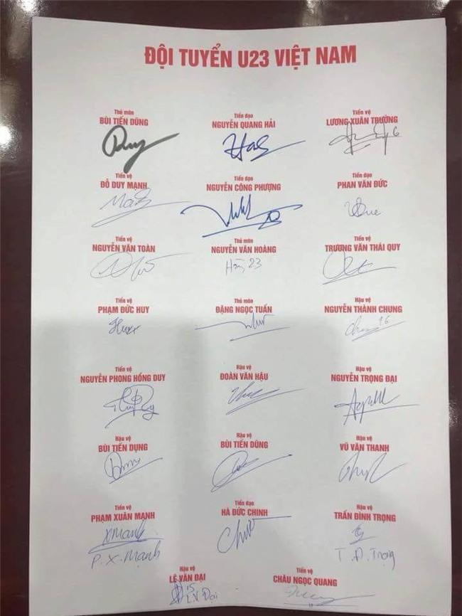 Xem loạt chữ ký của U23 để đoán tính cách người mình crush nào chị em! - Ảnh 1.