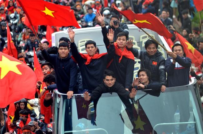 Bài rap Việt Nam mãi mãi vô địch được chia sẻ mạnh mẽ khi chào đón tuyển U23-1