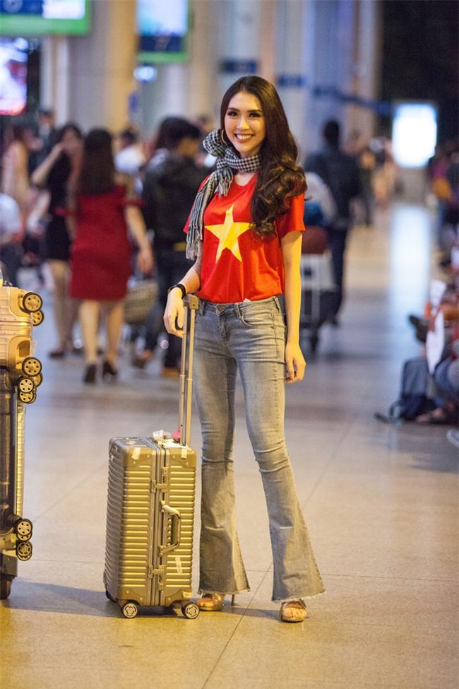 Chưa bao giờ street style của các người đẹp Việt lại ngập tràn cờ đỏ sao vàng như tuần vừa rồi  - Ảnh 5.
