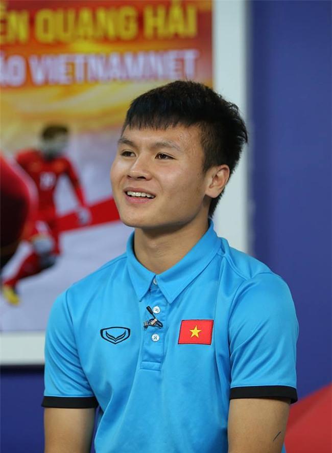 Nói không với bóc phốt, Quang Hải vẫn kể ngon lành loạt tật xấu của Đức Chinh trên sóng trực tiếp-3