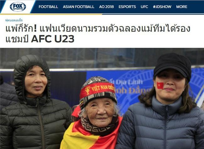 Netizen và truyền thông Thái Lan sững sờ: Thua vẫn yêu, người hâm mộ Việt Nam tổ chức ăn mừng dù giành ngôi Á quân U23 châu Á - Ảnh 1.
