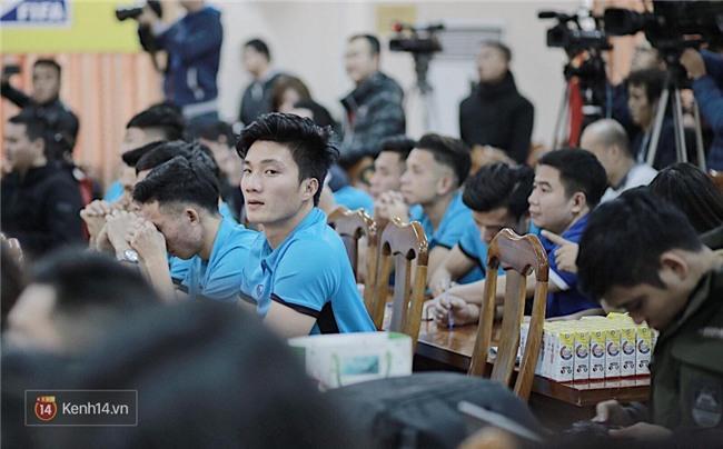 Ngoài Bùi Tiến Dũng, U23 Việt Nam còn có một thủ môn khác cực phẩm không kém - Ảnh 15.