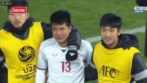 Lăn xả ngoài sân bóng là vậy thế nhưng ở đời thường, Đức Chinh lại khiến ai cũng bật cười vì độ nhí nhố vô đối của mình - Ảnh 5.