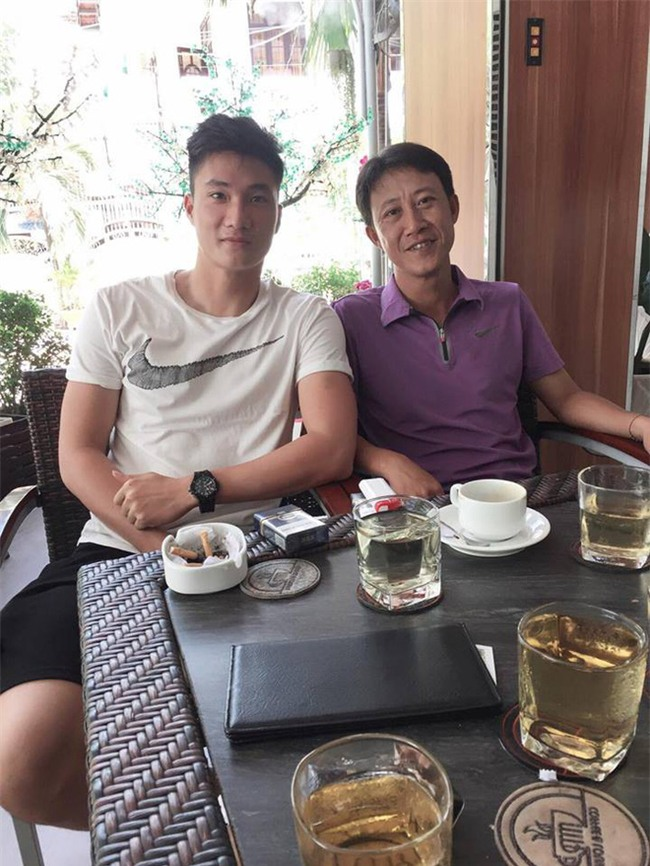 Này chị em, ngoài hot boy Tiến Dũng, U23 Việt Nam còn 1 chàng thủ môn dự bị rất đẹp trai và ngầu nhé - Ảnh 21.