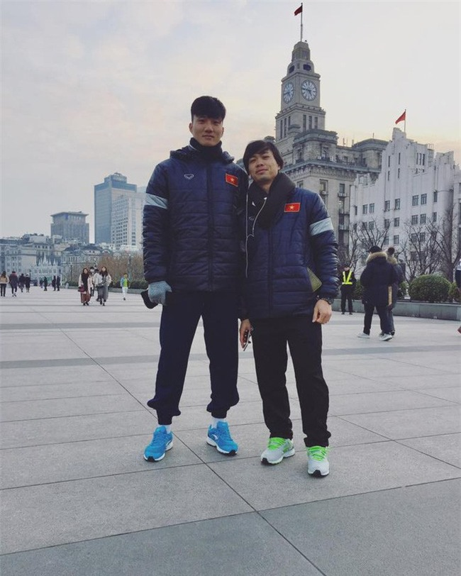 Này chị em, ngoài hot boy Tiến Dũng, U23 Việt Nam còn 1 chàng thủ môn dự bị rất đẹp trai và ngầu nhé - Ảnh 10.