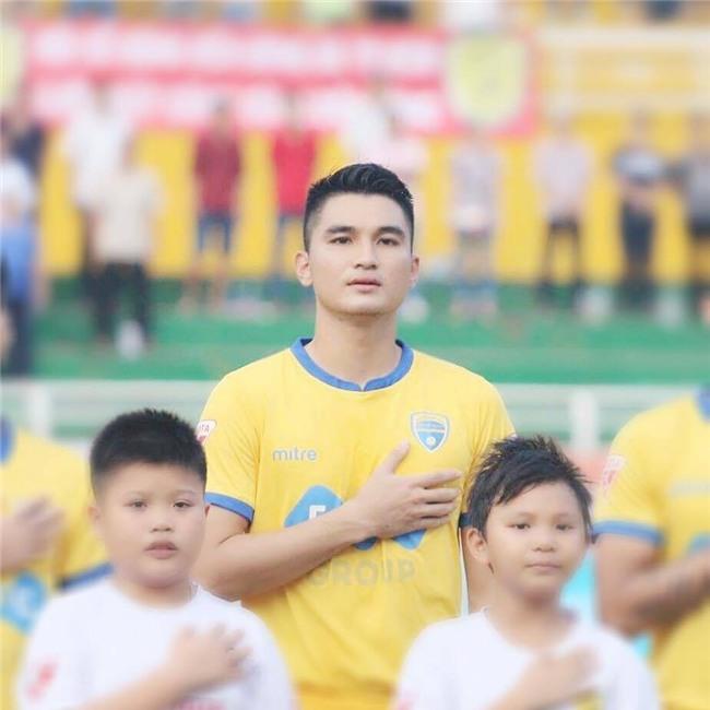 Trở về Thanh Hoá cùng anh em Tiến Dũng, nhưng chàng cầu thủ 1m80 từng bỏ học vì nghèo này lại ít được biết đến: Đó là Lê Văn Đại - Ảnh 3.