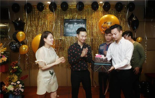 Xuân Bắc, Tự Long cùng dàn sao đến mừng sinh nhật MC Thành Trung-1