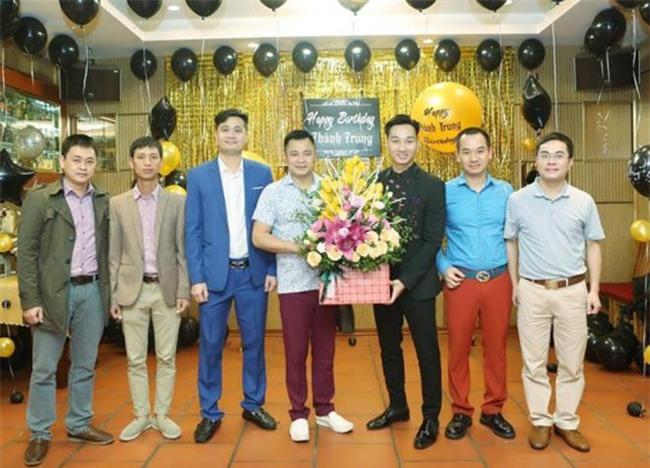 Xuân Bắc, Tự Long cùng dàn sao đến mừng sinh nhật MC Thành Trung-3