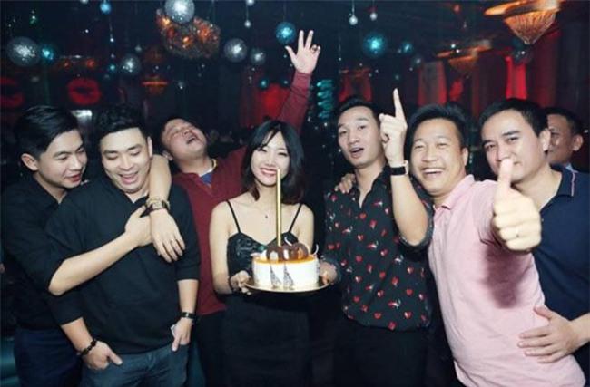 Xuân Bắc, Tự Long cùng dàn sao đến mừng sinh nhật MC Thành Trung-9