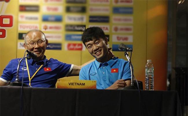 Xuân Trường kể tội HLV Park Hang Seo nhiều lần đột nhập lấy quà vặt của cầu thủ U23 Việt Nam - Ảnh 1.