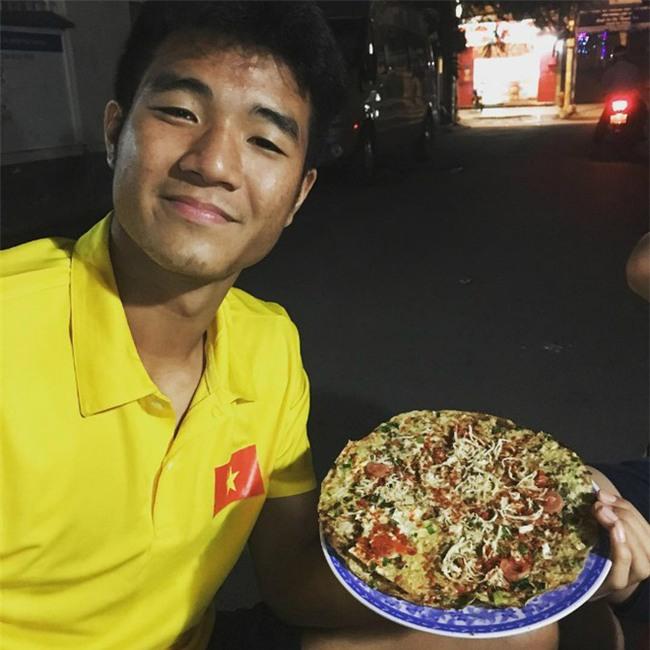 Khám phá địa chỉ quán ăn, món tủ của các chàng trai U23 khi không đá bóng - Ảnh 14.