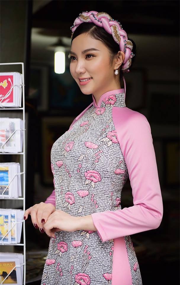 Hot girl - hot boy Việt: Dân mạng chia sẻ chóng mặt bức ảnh Quang Hải lọt thỏm khi đứng cạnh Văn Hoàng-8