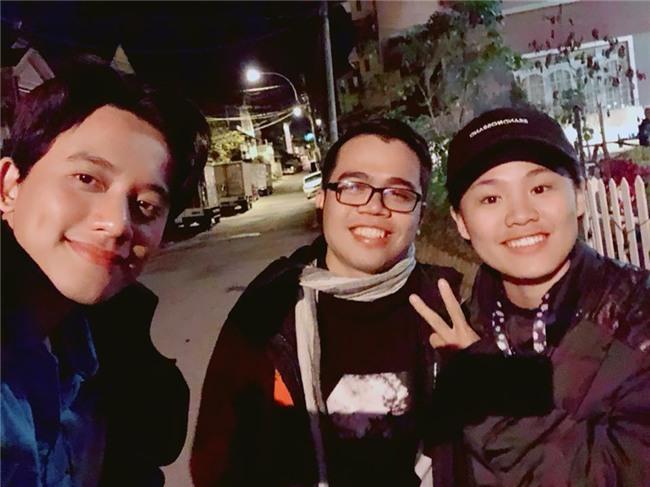 Hot girl - hot boy Việt: Dân mạng chia sẻ chóng mặt bức ảnh Quang Hải lọt thỏm khi đứng cạnh Văn Hoàng-9