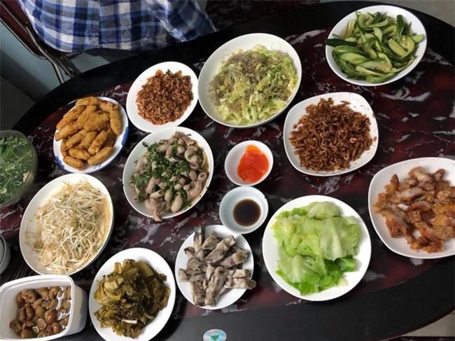 Cao thủ đi chợ Hà Nội chỉ 4,5 triệu/tháng cho nhà 4 người mà bữa nào cũng như đại tiệc - Ảnh 10.