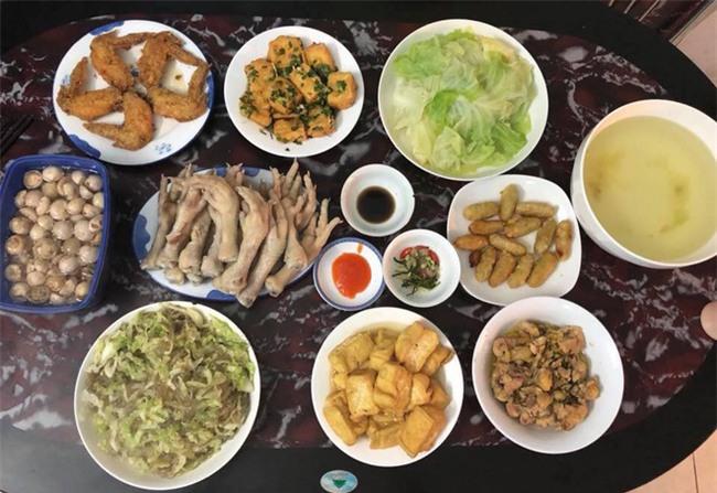 Cao thủ đi chợ Hà Nội chỉ 4,5 triệu/tháng cho nhà 4 người mà bữa nào cũng như đại tiệc - Ảnh 12.