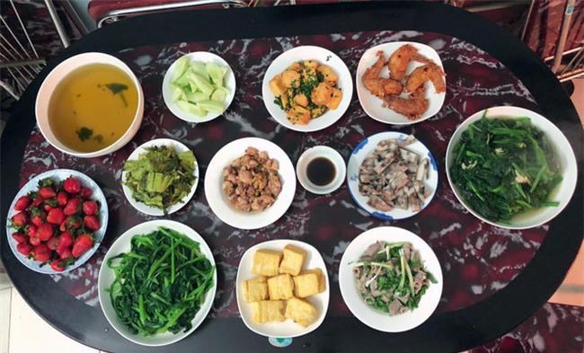 Cao thủ đi chợ Hà Nội chỉ 4,5 triệu/tháng cho nhà 4 người mà bữa nào cũng như đại tiệc - Ảnh 7.