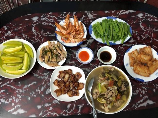 Cao thủ đi chợ Hà Nội chỉ 4,5 triệu/tháng cho nhà 4 người mà bữa nào cũng như đại tiệc - Ảnh 8.