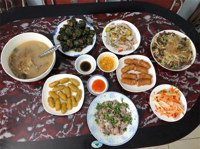 Cao thủ đi chợ Hà Nội chỉ 4,5 triệu/tháng cho nhà 4 người mà bữa nào cũng như đại tiệc - Ảnh 9.
