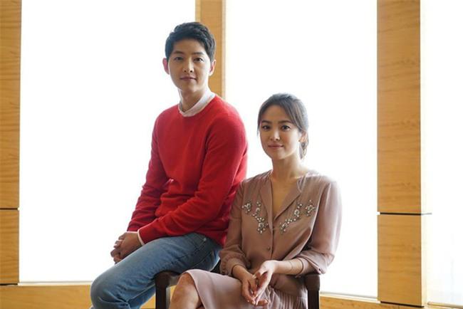Lộ ảnh hiếm hoi vợ chồng Song Song trước khi cưới: Hồi đó cả hai vẫn giấu nhẹm truyền thông về chuyện hẹn hò - Ảnh 2.