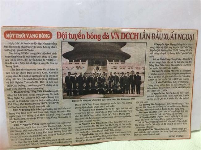 U23 Việt Nam hẳn sẽ bất ngờ khi xem ảnh bậc cha chú lần đầu sang Trung Quốc du đấu - Ảnh 2.